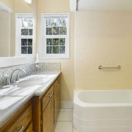 Rent this 4 bed house on 1718 Pine Street in Santa Monica, CA 90405
