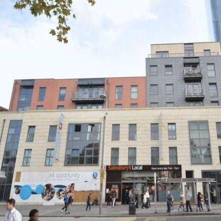 Rent this 1 bed apartment on Radisson Hotel Blu in Broad Quay, Bristol BS1 4BY