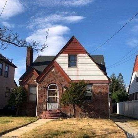 Rent this 5 bed house on 182 North Grove Street in Valley Stream, NY 11580