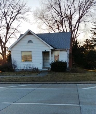 Rent this 4 bed house on South Roselle Road in Roselle, IL 60172