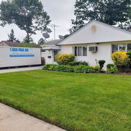 Rent this 3 bed house on 396 Argyle Road in Hempstead, NY 11554