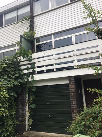 Rent this 5 bed house on The Hamlet in London SE5 8AW, United Kingdom
