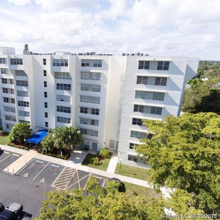 Rent this 3 bed condo on 9125 Southwest 77th Avenue in Kendall, FL 33156