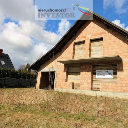 Rent this 4 bed house on 32-731 Bytomsko