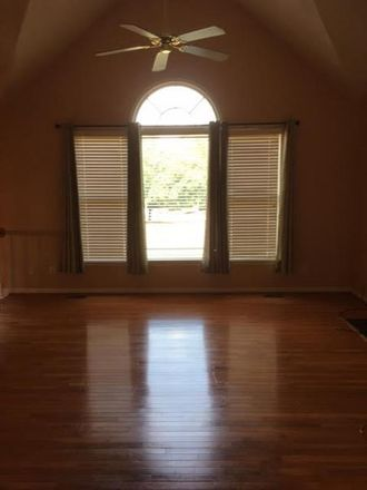 Rent this 4 bed house on 401 Middle Valley Lane in Woodstock, GA 30189