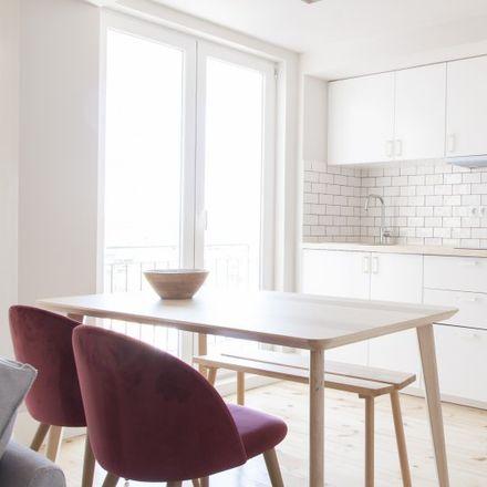 Rent this 2 bed apartment on CEU III-Instituto Superior de Estudios Profesionales in Calle de la Duquesa de Tamames, 28001 Madrid