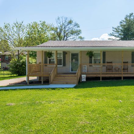 Rent this 3 bed house on Boone Ave in Mount Sterling, KY