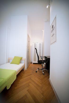 Rent this 4 bed room on Gdańska 56 in 95-100 Łódź, Polska