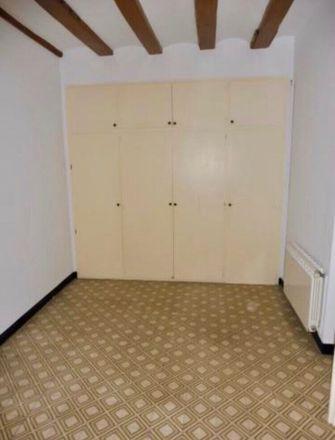 Rent this 2 bed room on Plaça de l'Oli in 17004 Girona, Spain