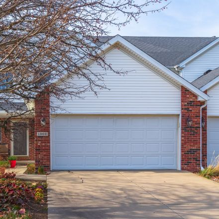 Rent this 3 bed townhouse on 1902 Vladimir Drive in Bloomington, IL 61704