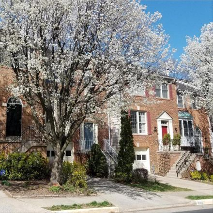 Rent this 3 bed townhouse on 8008 Rachelle Pl in Vienna, VA
