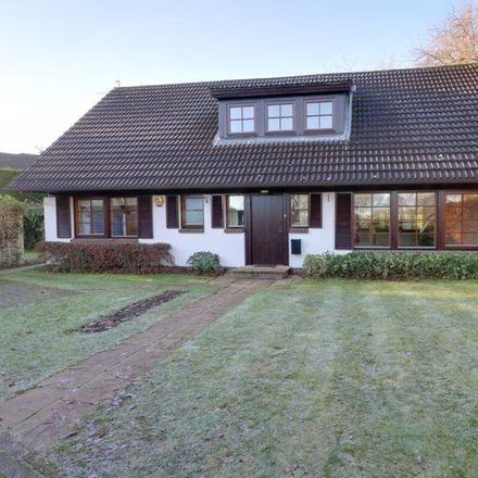 Rent this 4 bed house on 26 Hall Park in Swanland HU14 3NL, United Kingdom
