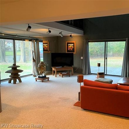 Rent this 5 bed house on 1728 Hiview Ct in Bloomfield Hills, MI
