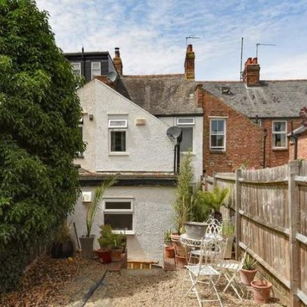 Rent this 3 bed house on Fitzgerald House in 90-94 Silkdale Close, Oxford OX4 2HE