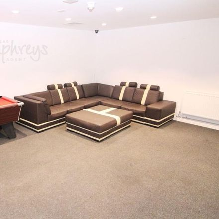 Rent this 9 bed house on Tin Tin in London Road, Sheffield S2 4LN