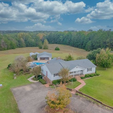 Rent this 4 bed house on Hartwell Highway in North Elberton, GA 30635