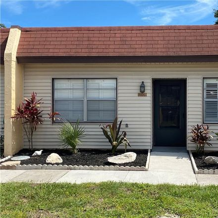 Rent this 2 bed condo on 13809 Mission Oaks Blvd in Seminole, FL