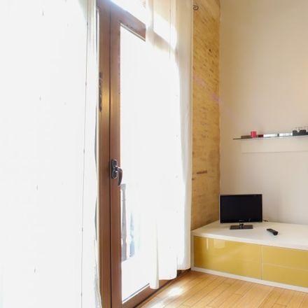 Rent this 1 bed apartment on Parroquia de San Miguel y San Sebastián in Carrer de Quart, 46008 Valencia