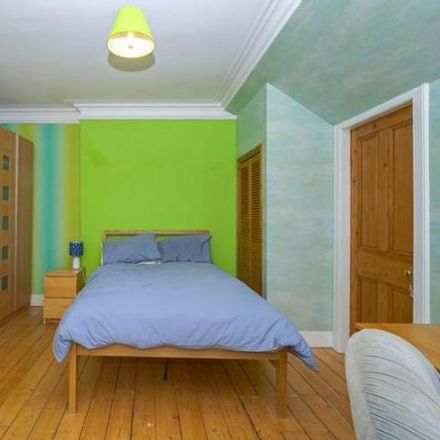 Rent this 3 bed house on Dollerie Terrace in Crieff PH7 3ED, United Kingdom