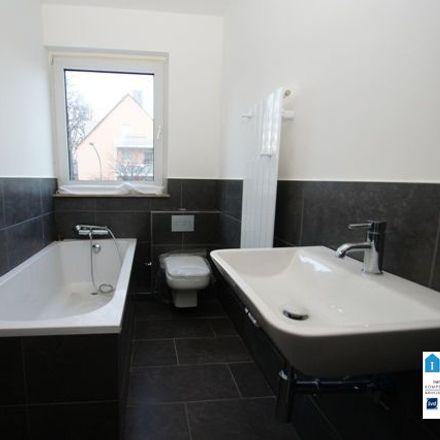 Rent this 3 bed apartment on Sparkasse Essen - Filiale Gervinusplatz in Frohnhauser Straße 274, 45144 Essen