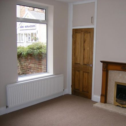 Rent this 3 bed house on Ascend Hairdressing in Tyne View Terrace, Prudhoe NE42 5PY