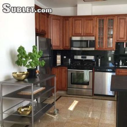Rent this 2 bed apartment on 3932 23rd Street in San Francisco, CA 94114