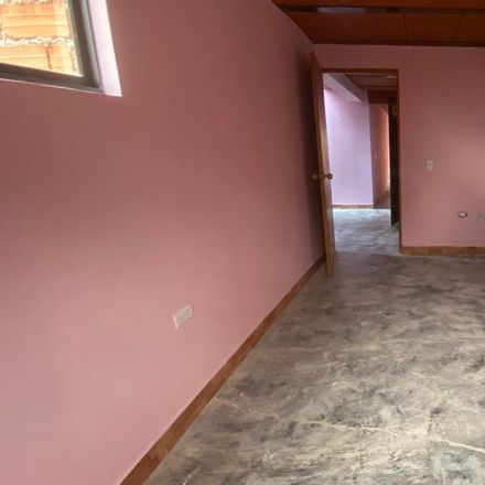 Rent this 3 bed apartment on Calle 79 in Comuna 4 - Aranjuez, Medellín