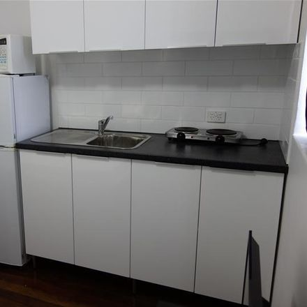 Rent this 1 bed apartment on 1B/6 Wight Street