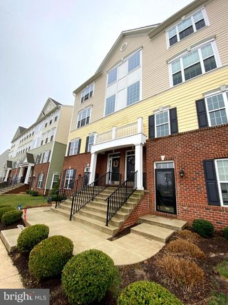Rent this 3 bed townhouse on 3864 Green Street in Darley Green, DE 19703