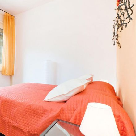 Rent this 1 bed apartment on U2 Supermercato in Via Vallazze, 87