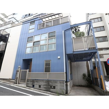 Rent this 3 bed apartment on 本町 in Shibuya, Tokyo 163-1423