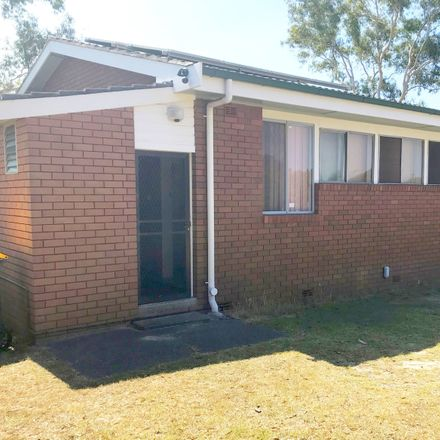 Rent this 6 bed house on 43 Acacia Avenue