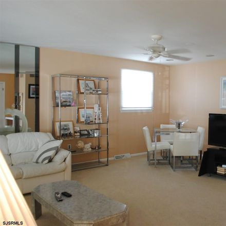 Rent this 3 bed house on 107 North Fredericksburg Avenue in Margate City, NJ 08406