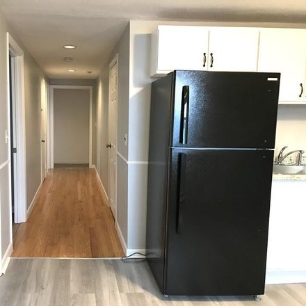 Rent this 3 bed apartment on 186 Broad Street in Marlborough, MA 01752-3260