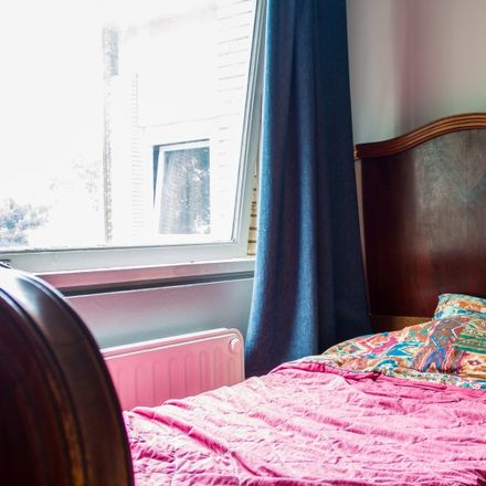 Rent this 3 bed apartment on Avenue du Jonc - Biezenlaan 1 in 1190 Forest - Vorst, Belgium