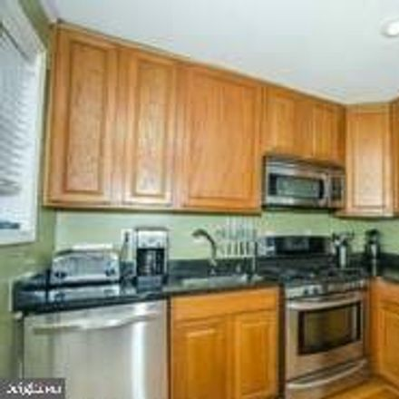 Rent this 3 bed townhouse on 627 South Henry Street in Alexandria, VA 22314