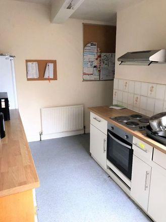 Rent this 1 bed room on Noodles Plus + in 24a Mill Road, Cambridge CB1 2AD