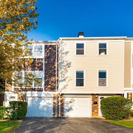Rent this 2 bed townhouse on 2006 Oxford Court in Schaumburg, IL 60194