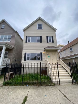 Rent this 6 bed duplex on 729 West 48th Street in Chicago, IL 60609