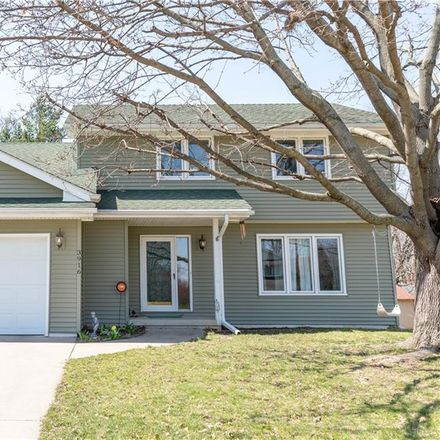 Rent this 3 bed house on 3916 Patricia Drive in Urbandale, IA 50322