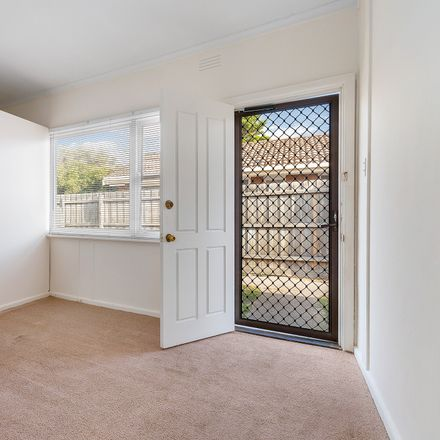 Rent this 1 bed apartment on 4/278 Nepean Highway