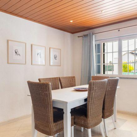 Rent this 4 bed apartment on Rua da Capela in 2820-338 Charneca de Caparica e Sobreda, Portugal