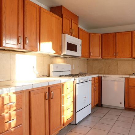 Rent this 3 bed townhouse on 208 West Ventura Street in Tucson, AZ 85705