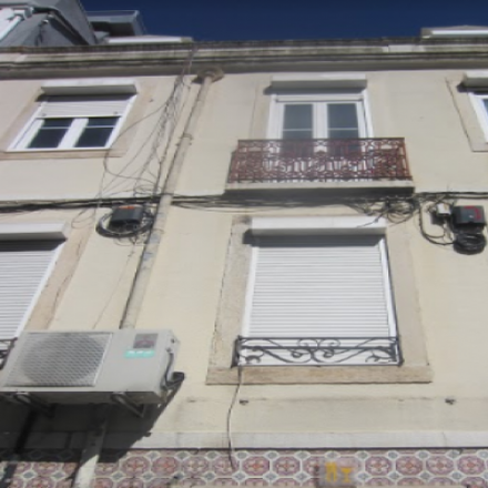 Rent this 3 bed apartment on Farmácia Peninsular in Campo dos Mártires da Pátria 117-118, Lisbon