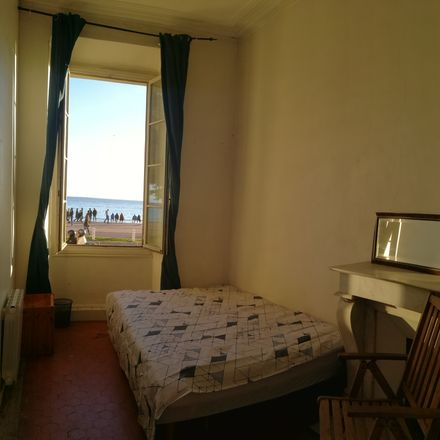 Rent this 6 bed room on 99 Quai des États-Unis in 06300 Nice, France