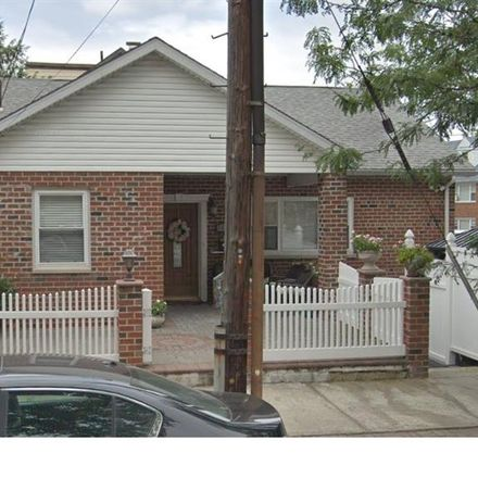Rent this 5 bed house on 1506 Research Avenue in New York, NY 10465
