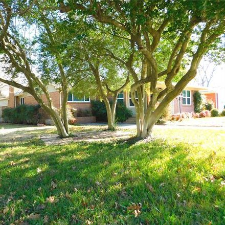 Rent this 3 bed house on 1916 Redwood Place in Denton, TX 76209