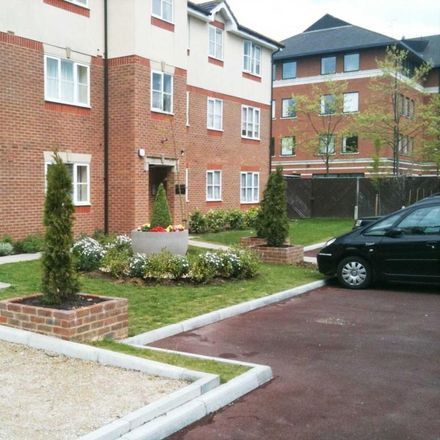 Rent this 2 bed apartment on Ifield Avenue in Crawley RH11 7EH, United Kingdom
