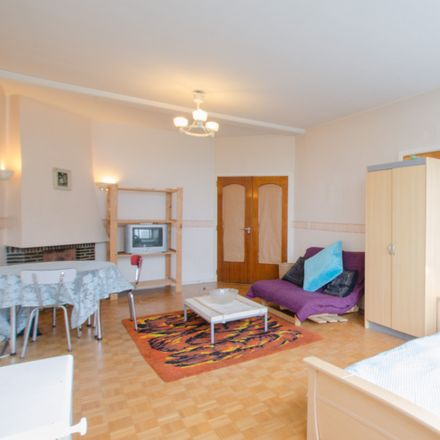 Rent this 3 bed apartment on Rue Paul Hymans - Paul Hymansstraat 13 in 1030 Schaerbeek - Schaarbeek, Belgium