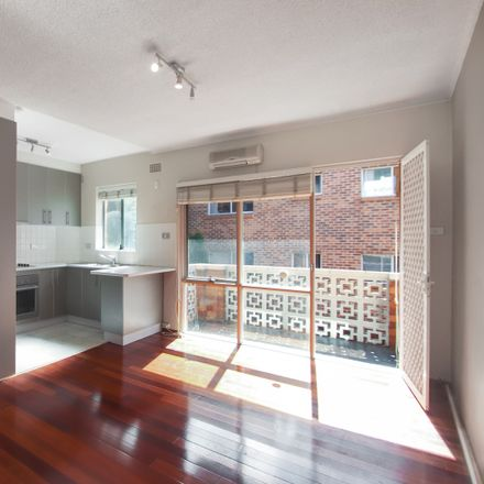 Rent this 1 bed apartment on 8/3 Isabel Street